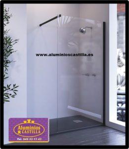 MAMPARA NILO BLACK, de ALUMINIOS CASTILLA, con vidrio incoloro.
