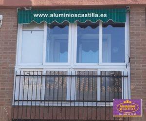 Cerramiento de terraza con armario. Aluminios Castilla